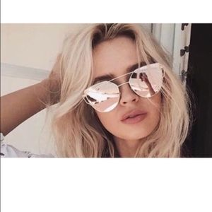 Urban Outfitters Accessories - NWT ❤️ ROSE GOLD CAT EYE SUNGLASSES