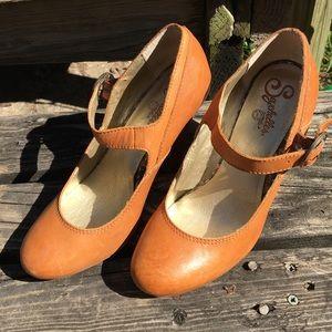 Medium heeled Seychelles