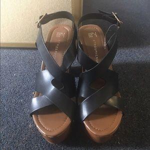 Shoes - chunky brown platform heels