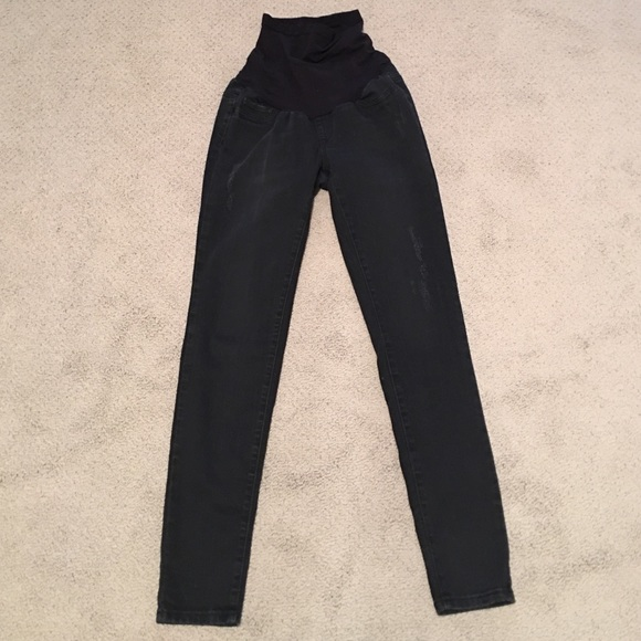 A Pea in the Pod - Black distressed maternity jeans from Nina's ...