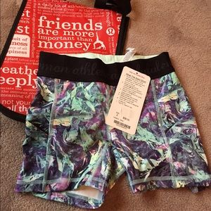 Lululemon sport shorts