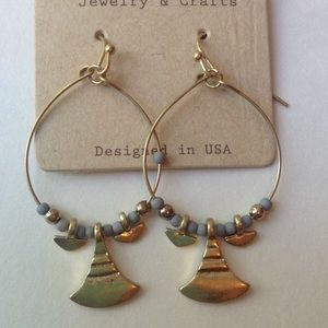 cloie Jewelry - Earrings gray beads & gold