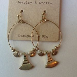 cloie Jewelry - Earrings ivory beads and gold