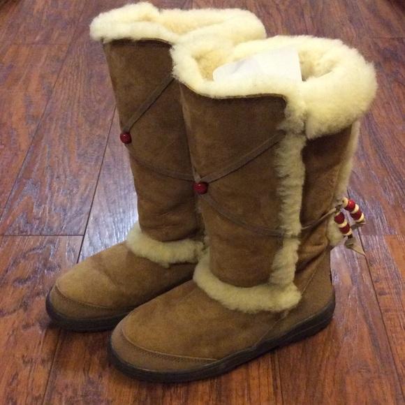 edb2cb10815 🌺UGG Nightfall Boots - Like New🌺