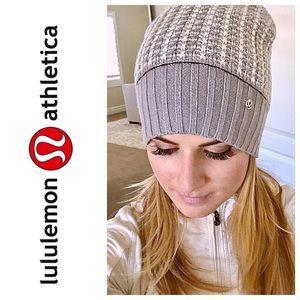 lululemon athletica Accessories - Lululemon Knit Beanie