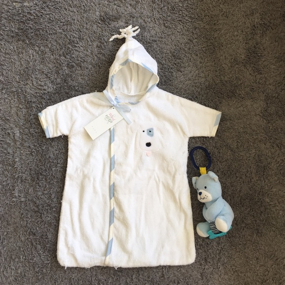 NWT Baby bath robe. No size(prob newborn) 1291faa0d