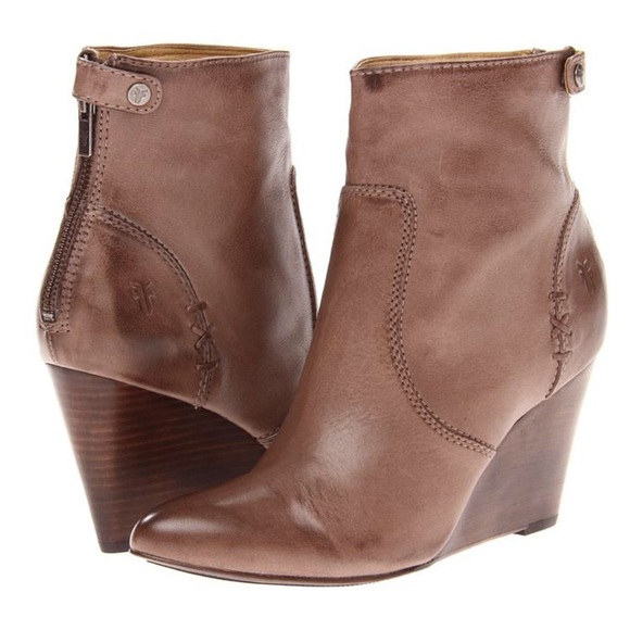 c3a08d4eb25 Frye Shoes - FRYE Regina Wedge Back Zip Booties 7.5