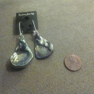V Styled  Jewelry - Blown Glass Oyster Earrings multicolored silver