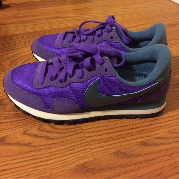 New Nike air pegasus 83 purple Riftblue size 5