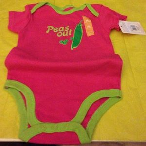 Luvable Friends Other - New baby body suit