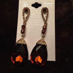Jewelry amber colored stone chandelier earrings poshmark jewelry amber colored stone chandelier earrings aloadofball Image collections