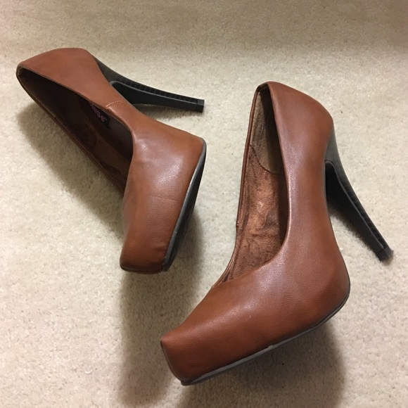 Dollhouse - Dollhouse Brown Platform Heels NWOT from Kim's closet ...
