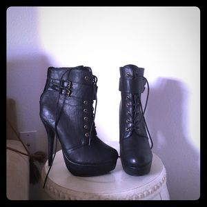 Shoes - Black booties. Can fit a 7 1/2-8