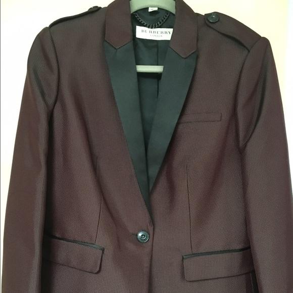 b7c3830e66408 Burberry Jackets   Blazers - 🎉🎉FLASH SALE Rare Burberry women s tuxedo  blazer