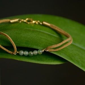 Jewelry - Aventurine and leather bracelet