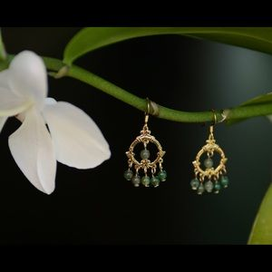 Jewelry - Gold and Aventurine earrings