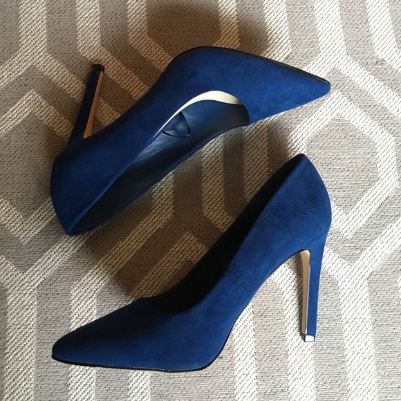 Forever 21 Shoes - Faux Suede Pointed Toe Heels - Size 7