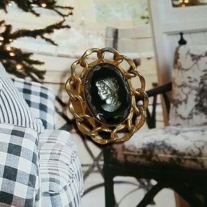 Vintage Cameo Brooch/Pendant