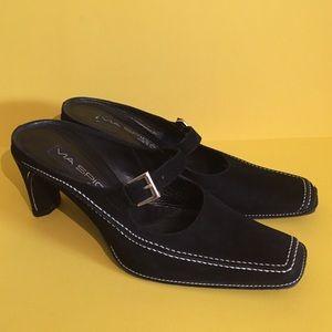 Via Spiga Black leather slide heels size 7!!