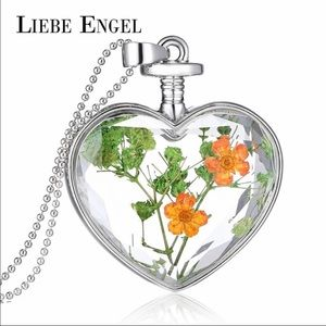 Liebe Engel Jewelry - ❤valentines special ❤ Dry flower 🌺 necklace