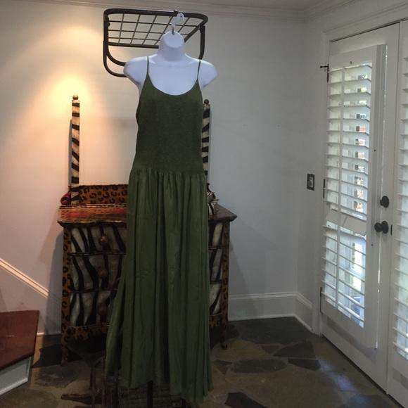 Newport News Dresses & Skirts - Newport News Green Long dress Sz 12