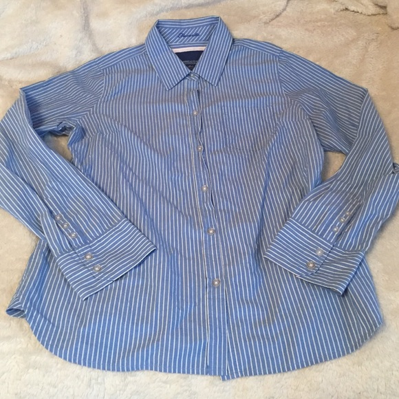 bfae0806d American Eagle Outfitters Tops - American Eagle Button Ladies cotton shirt