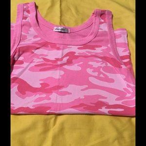 Allen Allen Tops - Large pink camouflage tank top 👛💞🌸