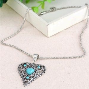 Jewelry - Vintage Inspired Turquoise Heart Necklace
