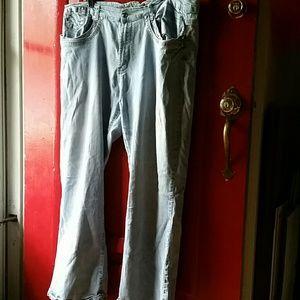 Denim - Distressed look jeans