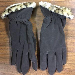 Aris Accessories - Aris gloves. Vegan friendly. Has suede feel