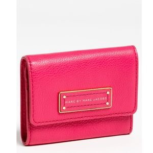 Marc Jacobs Handbags - HOST PICK 💓 MARC BY MARC JACOBS Trifold Wallet