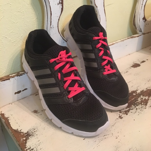 adidas cloudfoam black and pink