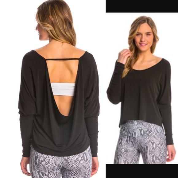 3c4f1f7c92fea Onzie Scoop Back Yoga Long Sleeve Top. M 57f03f7798182971f907eeeb