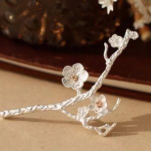 17Basics Jewelry - 🌸SPRING SALE🌸17Basics cherry blossom brooch
