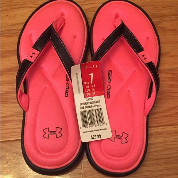 1749af04f2b9 Under Armour memory foam sandals