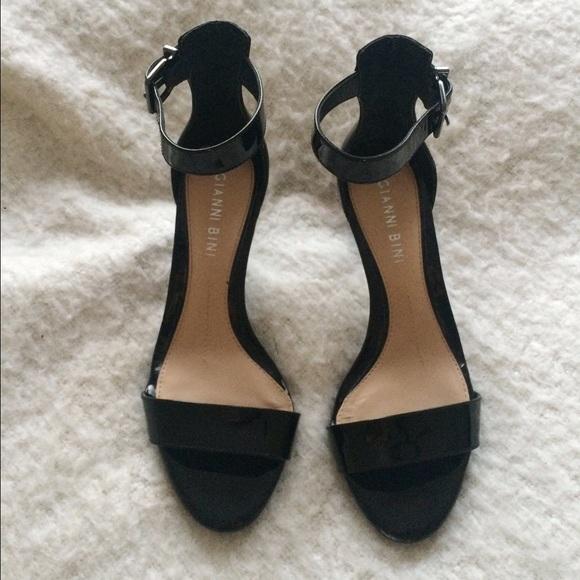 88e6f2d1fa8 Gianni Bini Maye Dress Sandals
