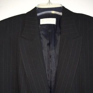 Elisabeth by Liz Claiborne Jackets & Blazers - Beautiful wool crepe blazer