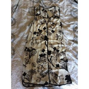 Daniel Rainn Dresses - Daniel Rainn black and white floral dress