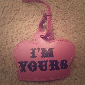"Luggage tag ""I'm yours..take me"""