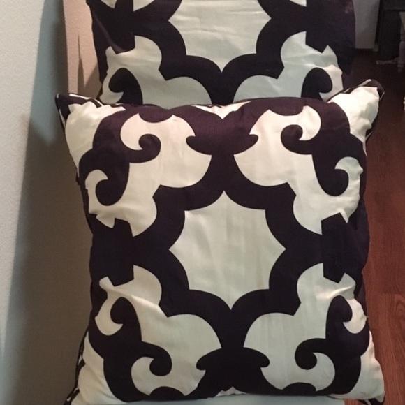 Z gallerie purple throw pillows