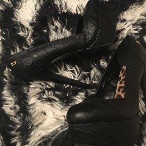 Bebe Black Leather Heels Pumps Size 6