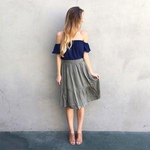 Dresses & Skirts - FLASH SALE • olive midi skirt