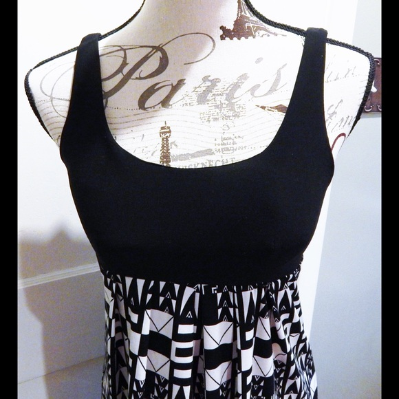 Forever 21 Dresses - Forever 21 Retro Print Black and White Dress Sz S