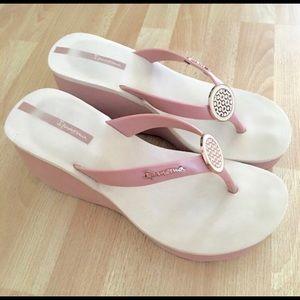 Ipanema Shoes - Ipanema premium sidewalk wedge sandals