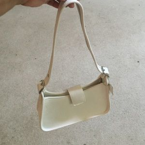 Small White leather purse.