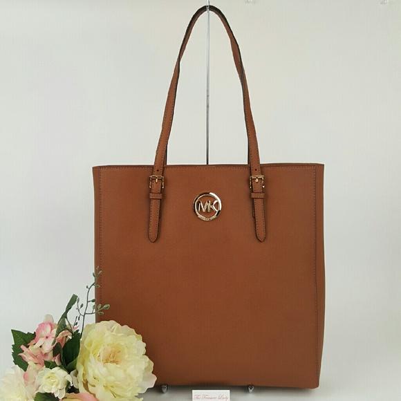 1c609e3e77ce Michael Kors Bags | Jet Set Travel Tote Brown Leather Bag | Poshmark