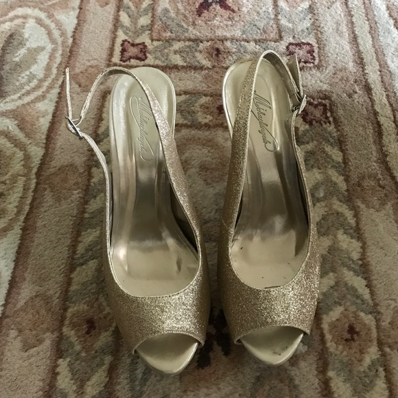 Shoes - Sexy Gold Shimmered Heels