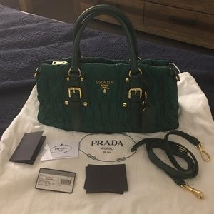 Iconic Prada bag for sale no trades
