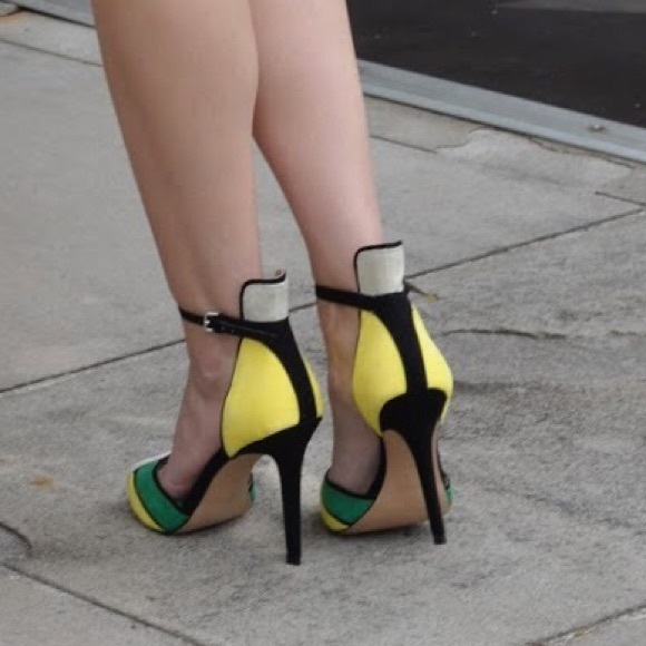 Zara Shoes - Color block heels