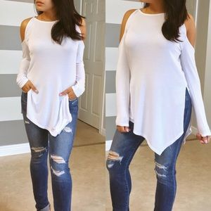 Tops - •LAST ONE•White cold shoulder tunic top